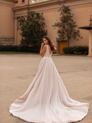 Giovanna-luxury Esther 2