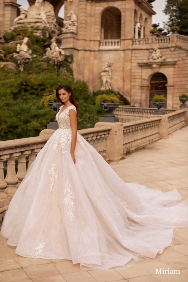Giovanna-luxury Miriam 1